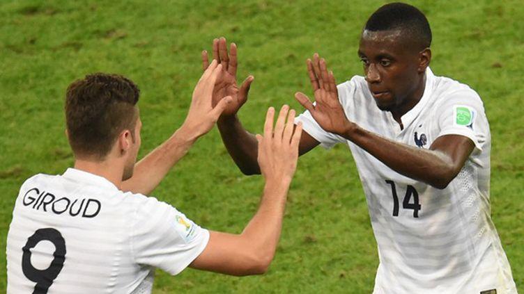 Les Français Olivier Giroud et Blaise Matuidi (WILLIAM WEST / AFP)