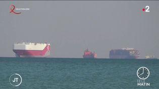 Des bateaux en attente de l'ouverture du canal de Suez. (France 2)
