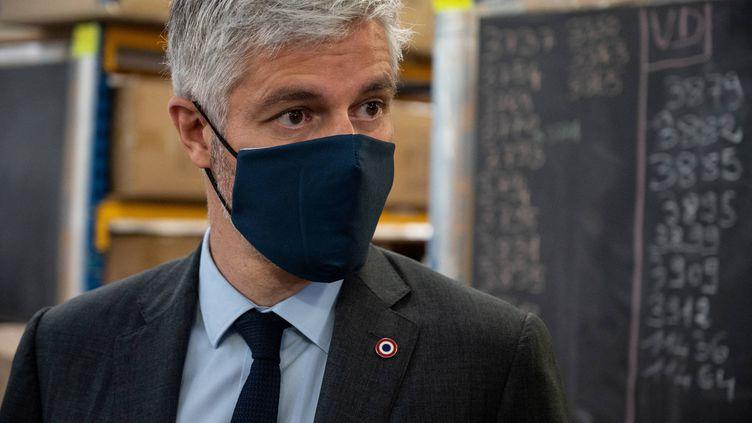 Le président sortant de la région Auvergne-Rhône-Alpes, Laurent Wauquiez, le 11 mai 2021 à Tarare, près de Lyon. (JEAN-PHILIPPE KSIAZEK / AFP)