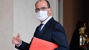Le Premier ministre, Jean Castex, quitte le palais de l'Elysée à Paris, le 23 septembre 2020, après le conseil des ministres. (JULIEN MATTIA / ANADOLU AGENCY / AFP)