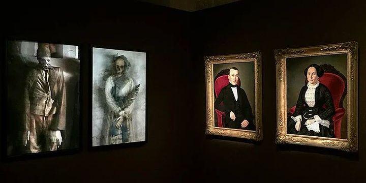 Confrontation de portraits sur le thème de la mort  (Sophie Zénon)