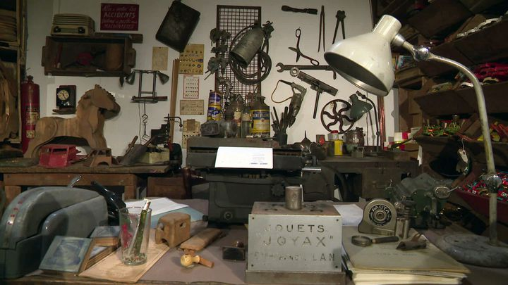 La reconstitution de l'atelier de fabrication de jouets (France 3 Provence Alpes)