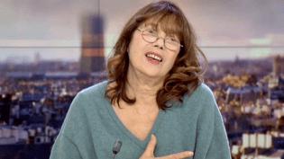 """Jane Birkin invitée sur le plateau de France 2 évoque son dernier spectacle """"Gainsbourg, poète majeur"""" au théâtre du Rond-Point de Paris  (France 2 / Culturebox)"""