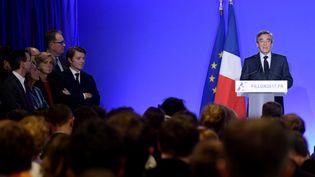 François Fillon lors d'une déclaration depuis son QG de campagne, le 1er mars 2017 à Paris. (CHRISTOPHE ARCHAMBAULT / AFP )