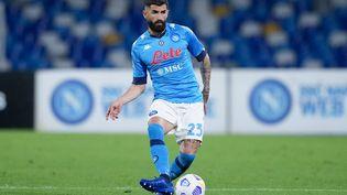 Elseid Hysaj (ici sous le maillot du Napoli) est visé par des supporters d'extrême droite depuis son arrivée à la Lazio Rome. (GIUSEPPE MAFFIA / NurPhoto / AFP)