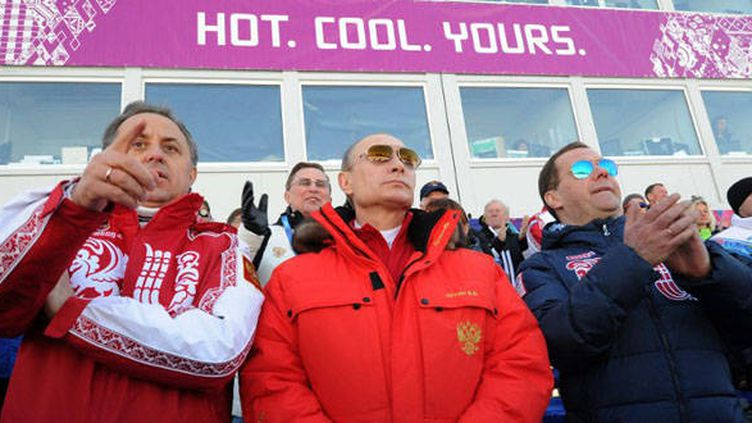 Vladimir Poutine, le président de la Fédération de Russie, assiste aux épreuves de ski de fond à Sotchi