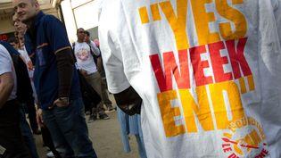 Un rassemblement du Collectif de salaries Les bricoleurs du dimanche pour reclamer l'autorisation d'ouvrir le dimanche pour les magasins de bricolage Castorama et Leroy Merlin, le 17 avril 2013. (PRM / SIPA)