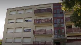 L'immeuble où habitait l'homme mort d'une crise cardiaque lors d'une expulsion mercredi 3 juillet, à Chambéry. (FRANCE 3)
