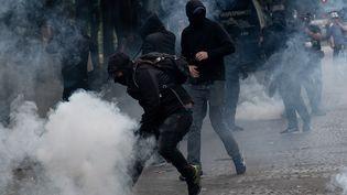 Affrontements sur l'esplanade des Invalides à Paris durant la manifestation nationale des soignants le 16 juin 2020 (ESTELLE RUIZ / HANS LUCAS)