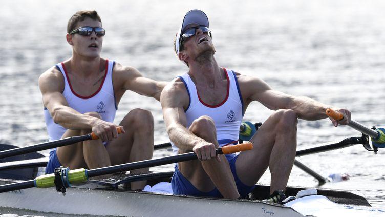 Jérémy Azou et Pierre Houin lors de la demi-finale  (DAMIEN MEYER / AFP)