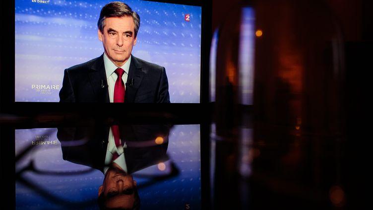 François Fillon lors du dernier débat télévisé entre les candidats à la primaire à droite avant le premier tour, le 17 novembre 2016 sur France 2. (MAXPPP)
