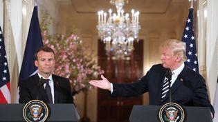 Emmanuel Macron et Donald Trump, mardi 24 avril 2018 lors d'une conférence de presse organisée à la Maison Blanche (Etats-Unis). (LUDOVIC MARIN / AFP)