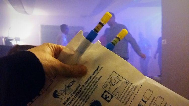 Jusqu'à présent, seuls les établissements de nuit étaient contraints de proposer à la vente des éthylotests. (MAXPPP)