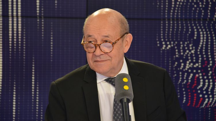 Jean-Yves Le Drian, ministre de l'Europe et des Affaires étrangères, le 1er août 2018. (JEAN-CHRISTOPHE BOURDILLAT / RADIO FRANCE)