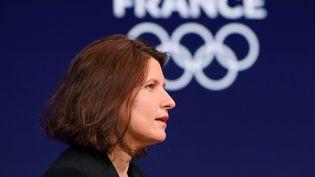 La ministre des Sports, Roxana Maracineanu, lors d'une cérémonie en amont des Jeux olympiques de Tokyo, le 14 avril 2021 à Saint-Denis (Seine-Saint-Denis). (MILLEREAU PHILIPPE / KMSP / AFP)