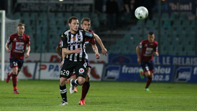 Vincent Manceau, le milieu de terrain d'Angers, battu à Clermont (2-0) lors de la 30e journée de Ligue 2.