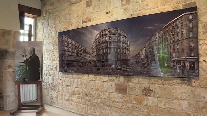 L'Hyperphotographe, l'exposition temporaire consacrée à Jean-François Rauzier, au Château de Vascoeuil. (S. L'Hote / France Télévisions)