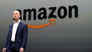 Le fondateur d'Amazon Jeff Bezos, ici à Santa-Monica, en Californie (Etats-Unis), le 6 septembre 2012. (JOE KLAMAR / AFP)