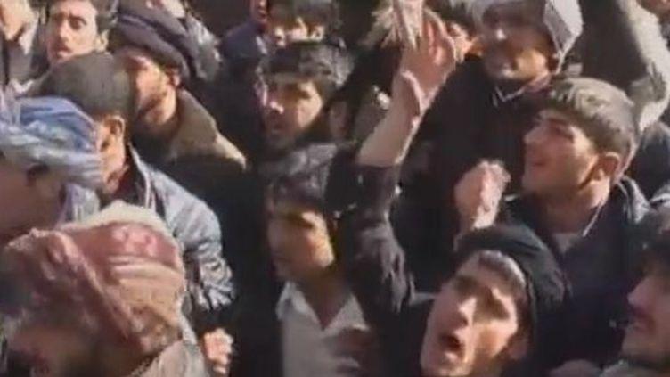 Manifestations à Kaboul(Afghanistan) vendredi 24 février 2012 contre la profanation d'exemplaires du Coran. (REUTERS)