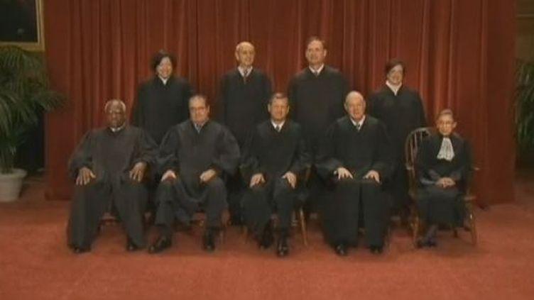 Capture d'écran - EVN - La Cour suprême des Etats-Unis s'est réunie, jeudi 28 juin, pour décider du sort de la réforme maîtresse de Barack Obama, la loi sur l'assurance maladie. (EBVN)