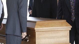 Un cercueil lors d'un enterrement. (STEVE RABIN / GETTY IMAGES)