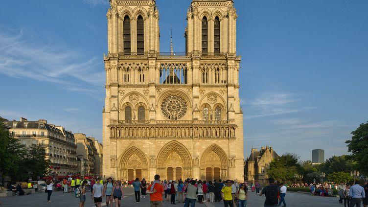 Le parvis de la cathédrale Notre-Dame de Paris,en 2017. (JEAN ISENMANN / ONLY FRANCE / AFP)