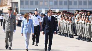Emmanuel Macron est arrivé sur la base aérienne d'Istres (Bouches-du-Rhône), le 20 juillet 2017. (ANNE-CHRISTINE POUJOULAT / AFP)