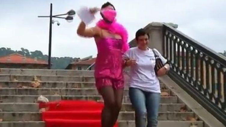 Nice, une drag queen contre le G20 de Cannes (Reuters)