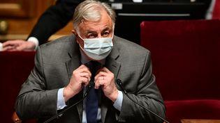 Le président du Sénat, Gérard Larcher, à son perchoir, le 1er avril 2021. (MARTIN BUREAU / AFP)