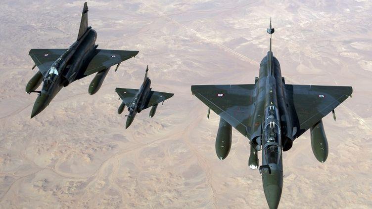 Des Mirage 2000 français survolent le Mali dans la nuit du 11 au 12 janvier. (NICOLAS-NELSON RICHARD / ECPAD / AFP)