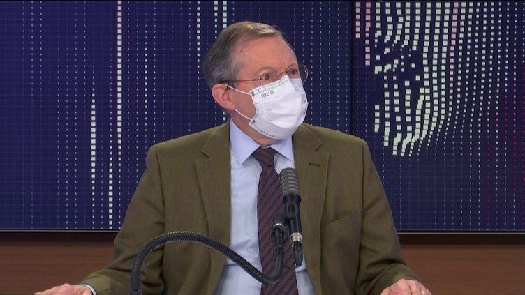 """Philippe Bas,sénateur Les Républicains de la Manche, était l'invité du """"8h30 franceinfo"""", dimanche 1er novembre 2020. (FRANCEINFO / RADIOFRANCE)"""