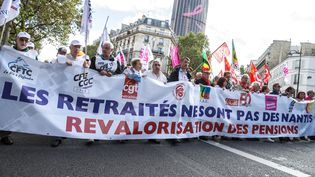 Des retraités manifestent le 29 septembre 2016 à Paris pour demander une revalorisation de leurs pensions. (MAXPPP)