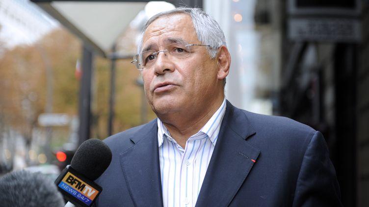 L'avocat Robert Bourgi répond aux questions des journalistes à Paris, le 12 septembre 2011. (JOHANNA LEGUERRE / AFP)