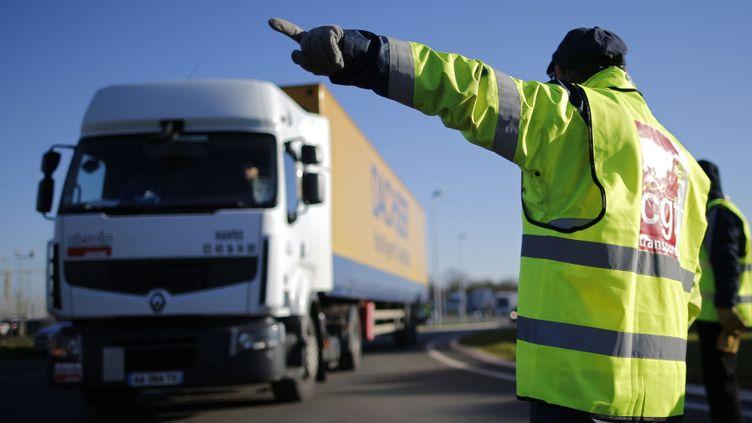 (Blocage des routiers à Carquefou près de Nantes en janvier 2015. © Reuters)