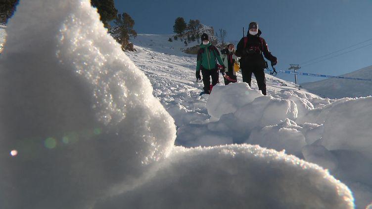 Le risque d'avalanche reste marqué en montagne, notamment dans les Alpes du Nord. (France 3)