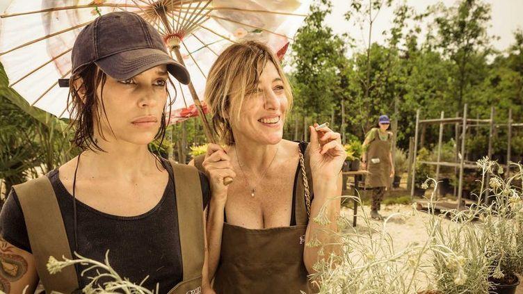 """Micaela Ramazzott et Valeria Bruni Tedeschi dans """"Folles de joie"""" de Paolo Virzì  ( Bac Films)"""