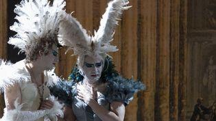 """Les contre-ténors Max Emanuel Cencic et Valer Barna Sabadus dans """"Artaserse"""" de Ludovico Vinci  (JEAN-CHRISTOPHE VERHAEGEN / AFP)"""