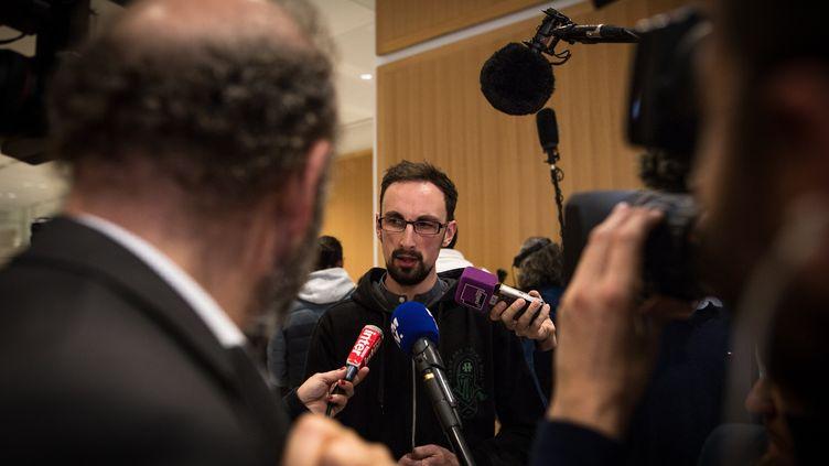 Raphaël Louvadroux,fils d'un des 19employés de France Télécom à s'être suicidés entre 2006 et 2011, au tribunal correctionnel de Paris, le 6 mai 2019. Illustration. (SADAK SOUICI / LE PICTORIUM / MAXPPP)