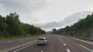 Une portion de l'autoroute A404 à Oyonnax (Ain), en septembre 2016. (GOOGLE STREET VIEW / FRANCEINFO)