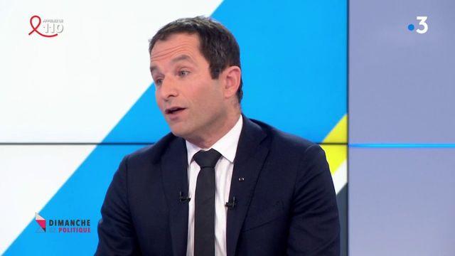 """Financement libyen de la campagne de Sarkozy : """"celui qui vole un saucisson n'a pas le droit de se défendre au 20 heures de TF1"""", attaque Hamon"""