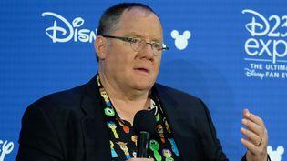 Le légendaire directeur artistique du studio d'animation de Disney, John Lasseter, en 2017  (CHRIS DELMAS / AFP)