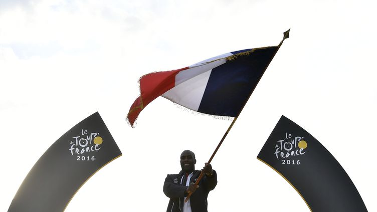 Teddy Riner représentera la France aux Jeux de Rio (JEFF PACHOUD / AFP)