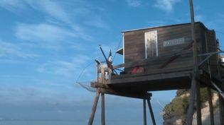 Carrelet : un vacancier a fait construire son balcon sur l'horizon (FRANCEINFO)