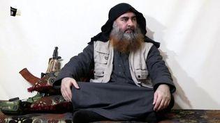 Unephoto d'Abou BakrAl-Baghdadi issue d'une vidéo de propagande diffusée le 29 avril 2019. (REUTERS)