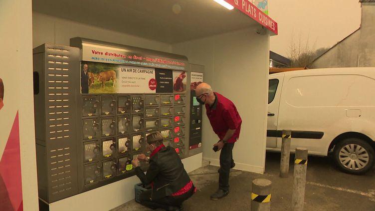Un distributeur de viande à emporter est ouvert 24/24h à Périgueux. (FRANCEINFO)