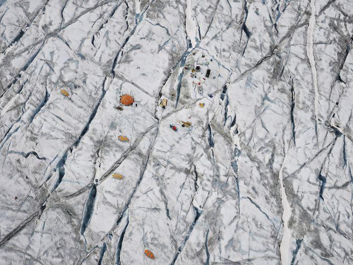 Le camp de recherche du Scott Polar Research Institute, sur la calotte glaciaire du Groenland. (Timo Lieber/ THAW)