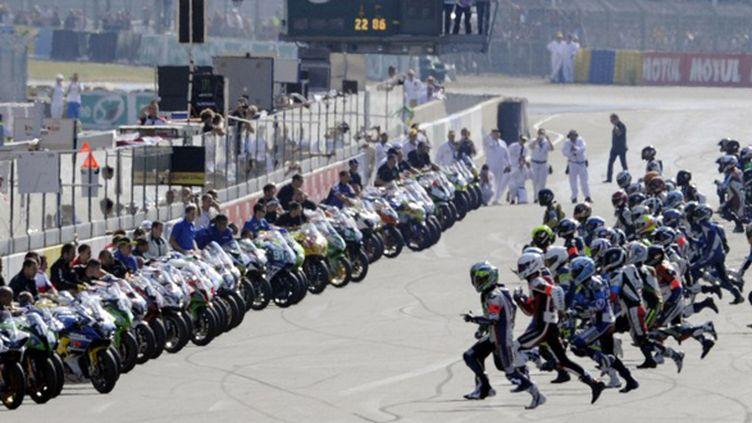 Le départ des 24 heures du mans moto (DAMIEN MEYER / AFP)
