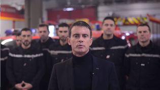 Le candidat à la primaire de lagauche Manuel Valls adresse ses voeux sur Twitter, le 31 décembre 2016. (MANUEL VALLS / TWITTER)