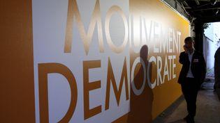 Le siège du MoDem, rue de l'Université à Paris, en 2009 lors des élections européennes. (MAXPPP)