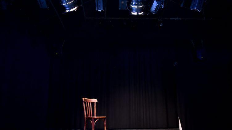 Une salle de spectacle vide (illustration). (REMY PERRIN / MAXPPP)